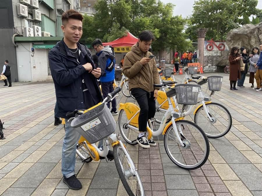 交通局在試辦期間以優惠價格前30分鐘2元,鼓勵民眾騎乘。(游念育攝)