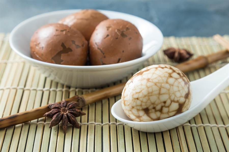 不少人推薦紅茶系列產品與茶葉蛋(示意圖/達志影像)