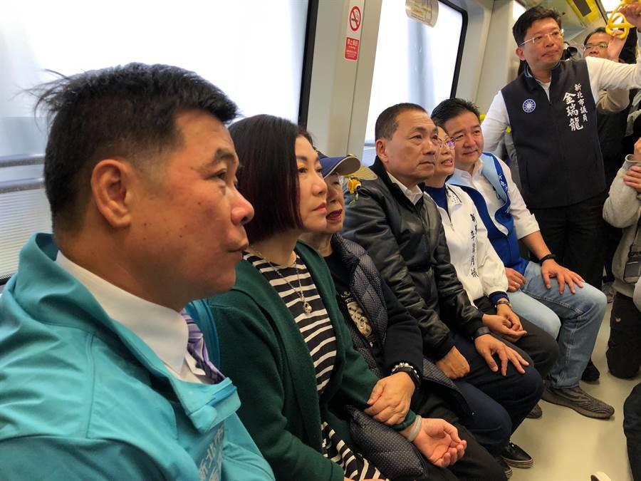 新北市長侯友宜今前往捷運環狀線,進行營運前改善視察。(吳亮賢攝)