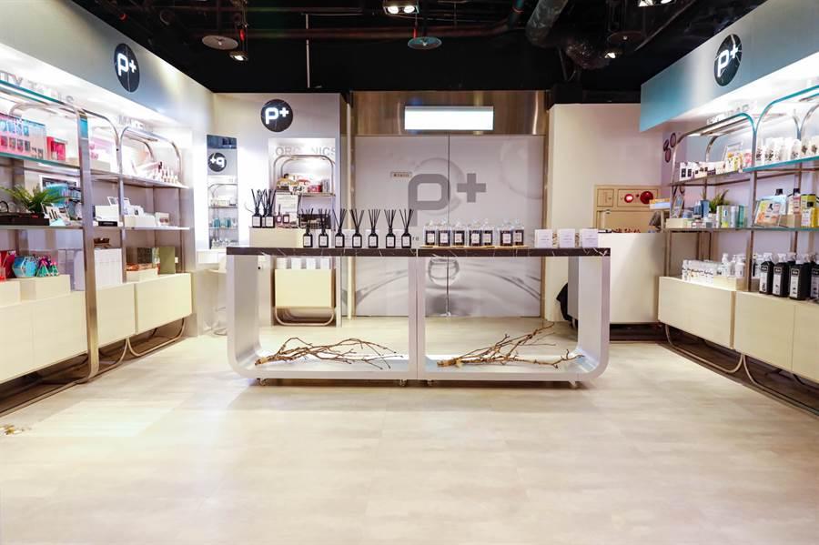 P+概念店位於台北信義區新光三越A11。(圖/邱映慈攝影)