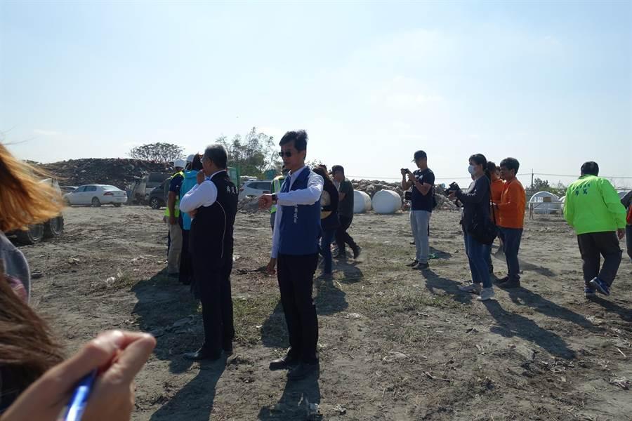 縣議員李明哲希望西螺鎮公所把握縣府補助的契機,妥善處理鎮內垃圾問題。(周麗蘭攝)