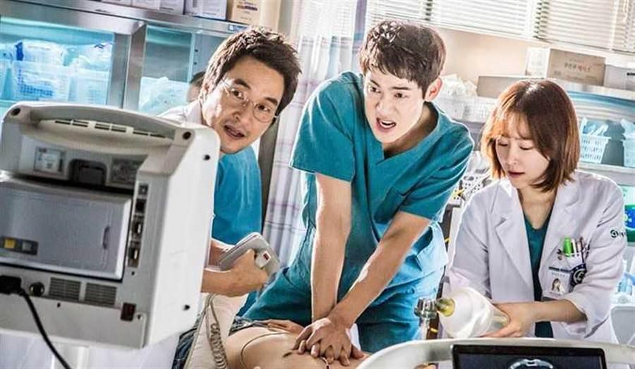 《浪漫醫生金師傅》第一季收視不俗,但主角柳演錫和徐玄振皆未參與第二季。(圖/翻攝自網路)