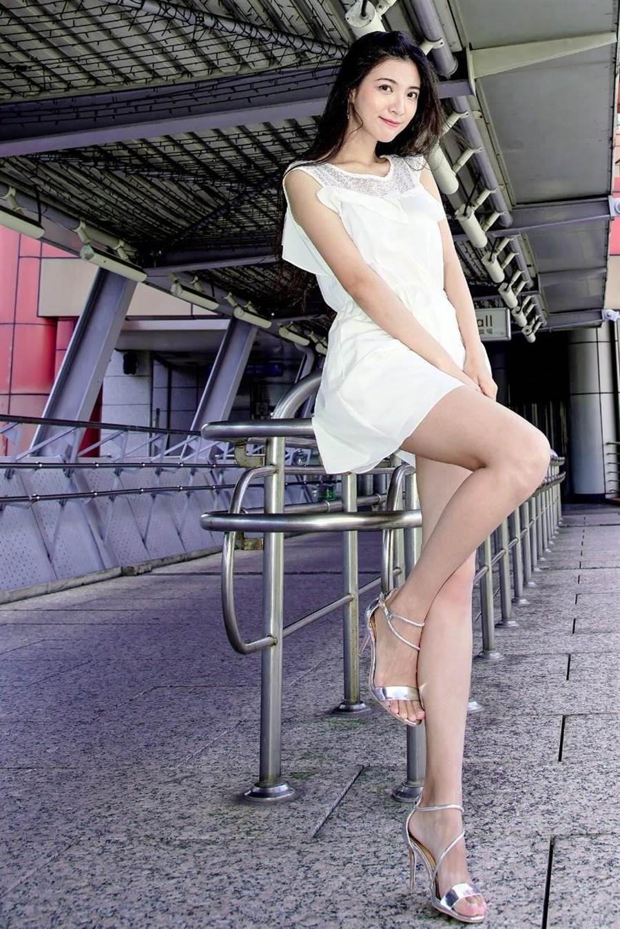 模特兒Tina。(圖/取自IG帳號:hanting1108)