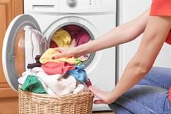 窗簾丟洗衣機變超慘 網:曬豆皮?