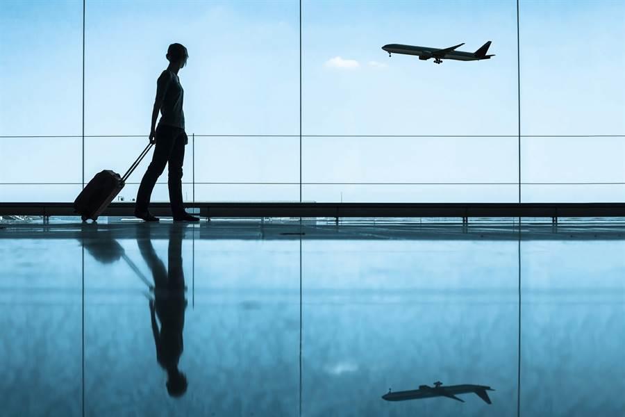 美國邁阿密國際機場驚現一名全裸女子。(示意圖,達志影像/shutterstock提供)