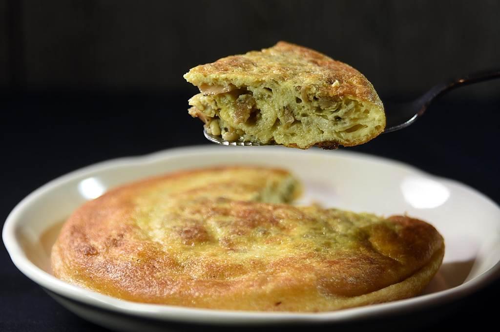 論高度或厚度,還有「圓度」,欣葉的〈菜脯蛋〉在市場大概沒有對手。(圖/姚舜)