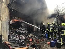 台中洋酒倉庫燒起來 大批洋酒付之一炬