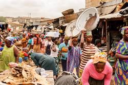 調查:全球最富22男 財產勝過非洲女總和