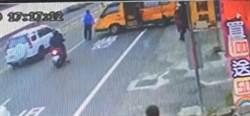 小朋友剛下車 娃娃車下秒遭撞女老師送醫