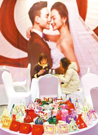 去年陸結婚登記947萬對 離婚415萬對