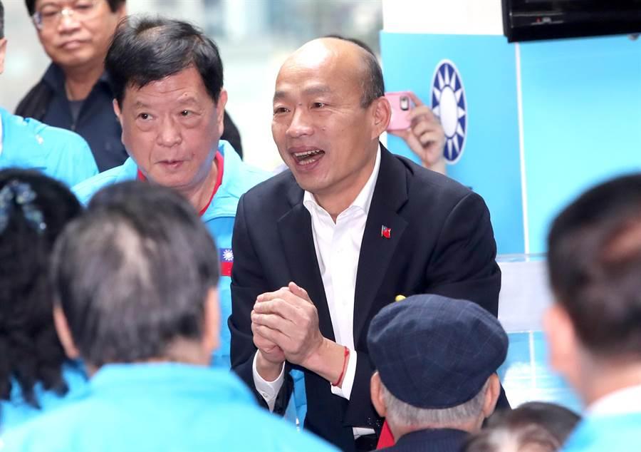 高雄市長韓國瑜(中)。(資料照,鄭任南攝)