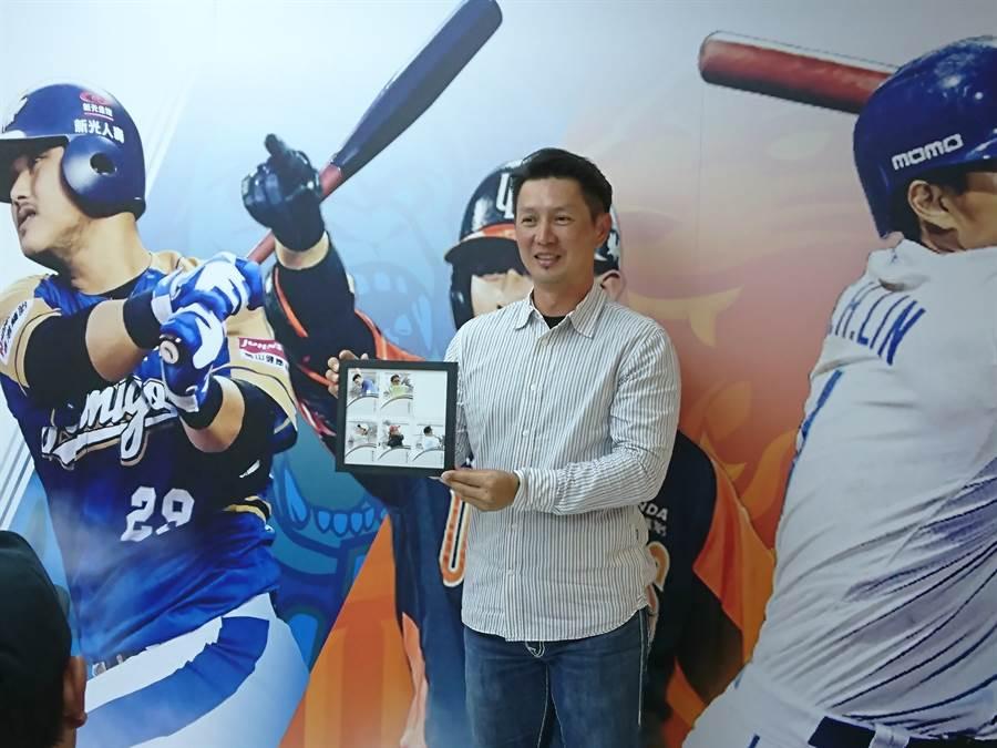 統一獅首席教練高志綱上周四(16日)入選「6搶1」中華隊教練團,今日他公開表示欣然接受。(廖德修攝)