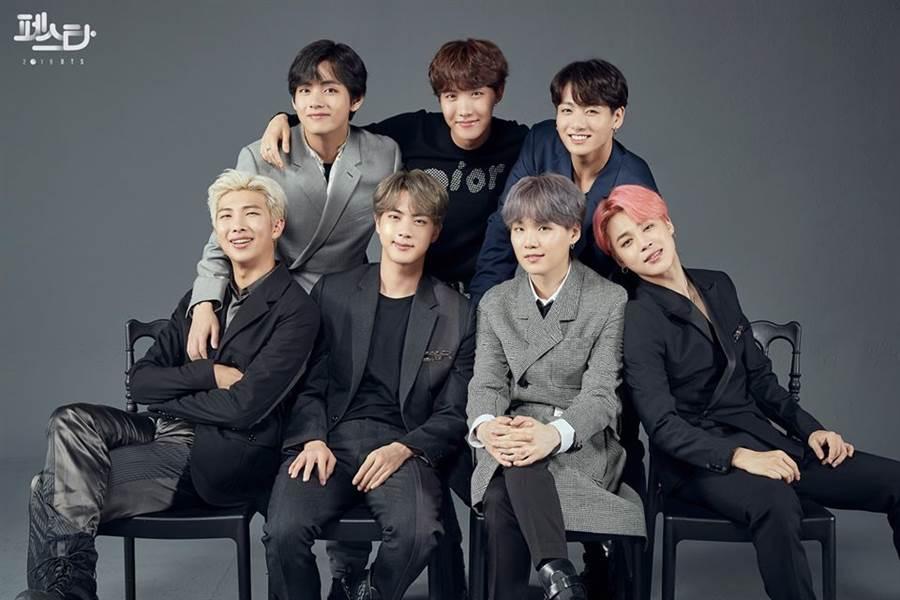 韓國版權協會前7名的男偶像,光是靠版權收入就可以在家月入百萬,快來看看是哪些偶像上榜。(圖/翻攝自防彈少年團粉專)