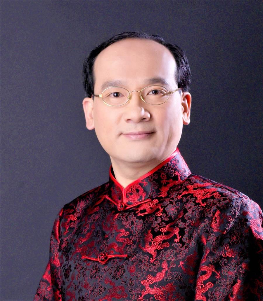 名門命理教育協會 創會理事長楊登嵙(圖/楊登嵙提供)