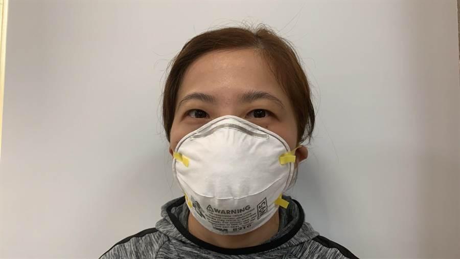 醫護人員採檢戴N95口罩。(資料照/台南市衛生局提供/曹婷婷台南傳真)
