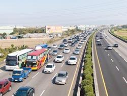國3南下大客車追撞 回堵一度逾10公里
