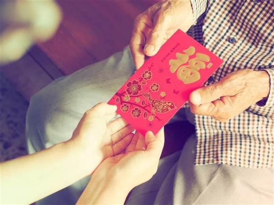過年的紅包是不少小孩跟長輩的希望。(示意圖/達志影像)