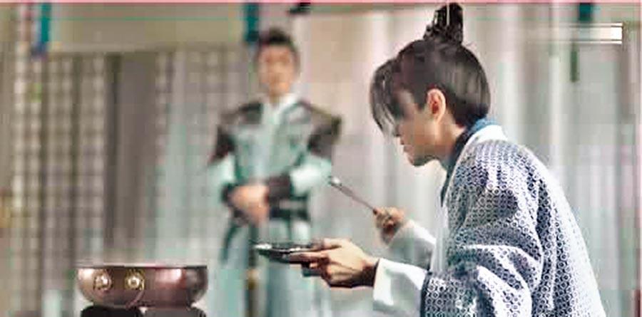 《慶餘年》二皇子吃火鍋的場景。(取自美食在嘴邊)