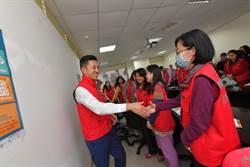 防備新型冠狀病毒 林智堅坐鎮疫情指揮中心