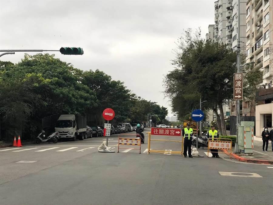 交通警察大隊呼籲多多利用大眾運輸工具或使用替代道路,如需開車前往,提早出門,並先行查詢路況。(讀者提供/吳家詮傳真)