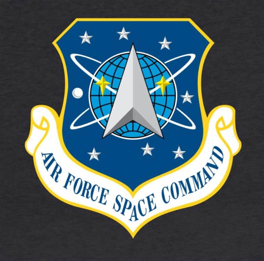 1982年成立的美國空軍太空司令部,是太空軍的前身,這是當時的徽誌。(圖/美國空軍)