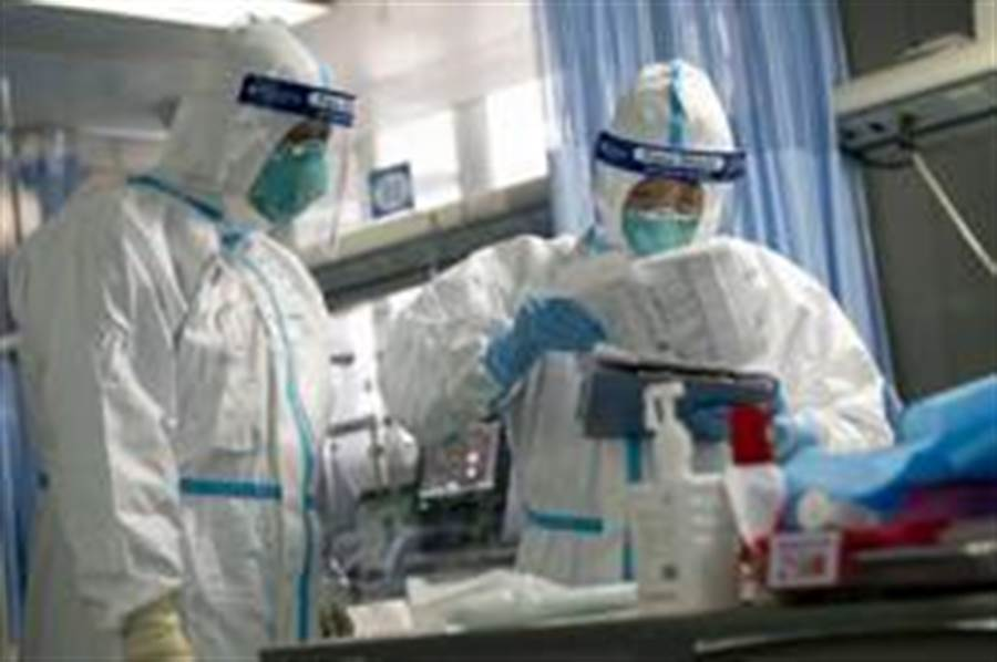 武漢肺炎「超級傳播者」轉移4次病房,傳染14名醫護人員。(新華社)