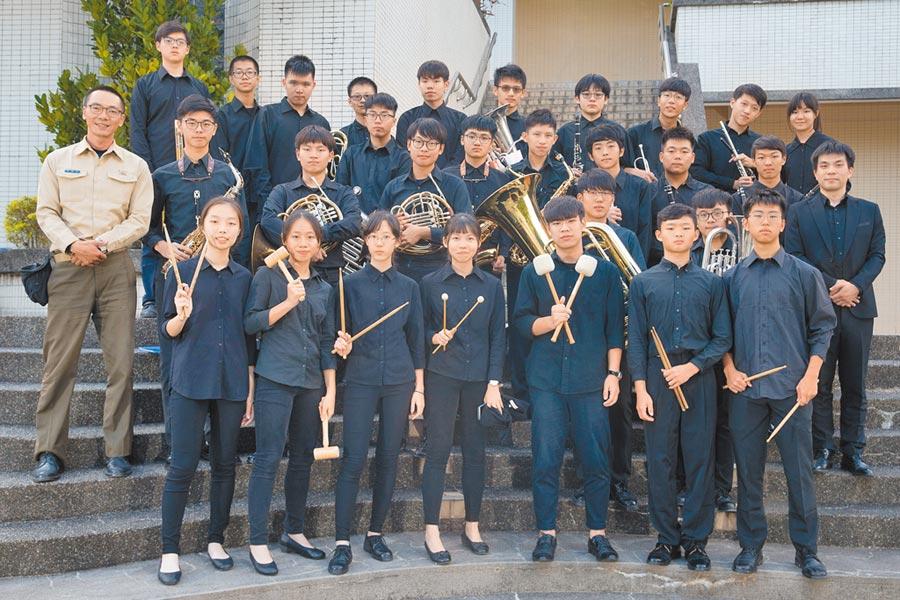 2019年9月初黃培彥從前任指揮手上接下了重擔,11月縣賽當天,黃培帶著宜中管樂社再次的進入了全國賽。