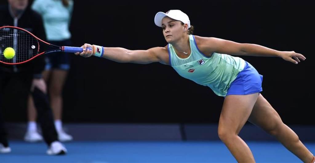 地主球后巴蒂今日以2比1擊退美國的瑞斯姬,連兩年晉級澳網女單8強。(美聯社)