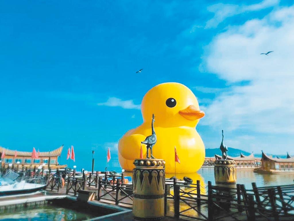 轟動全球的巨型《黃色小鴨》,強勢回歸。