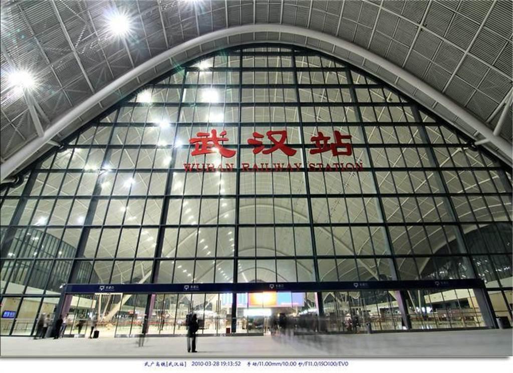 武漢新型冠狀病毒肺炎疫情快速蔓延,在23日10點封城之前,早已有500萬人搭飛機、搭高鐵先行離開。(新華社)