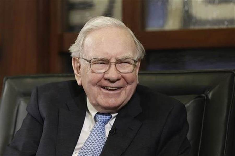 「股神」華倫巴菲特(Warren Buffett)透過價值投資法吸引許多投資人效法。(圖/美聯社資料照)