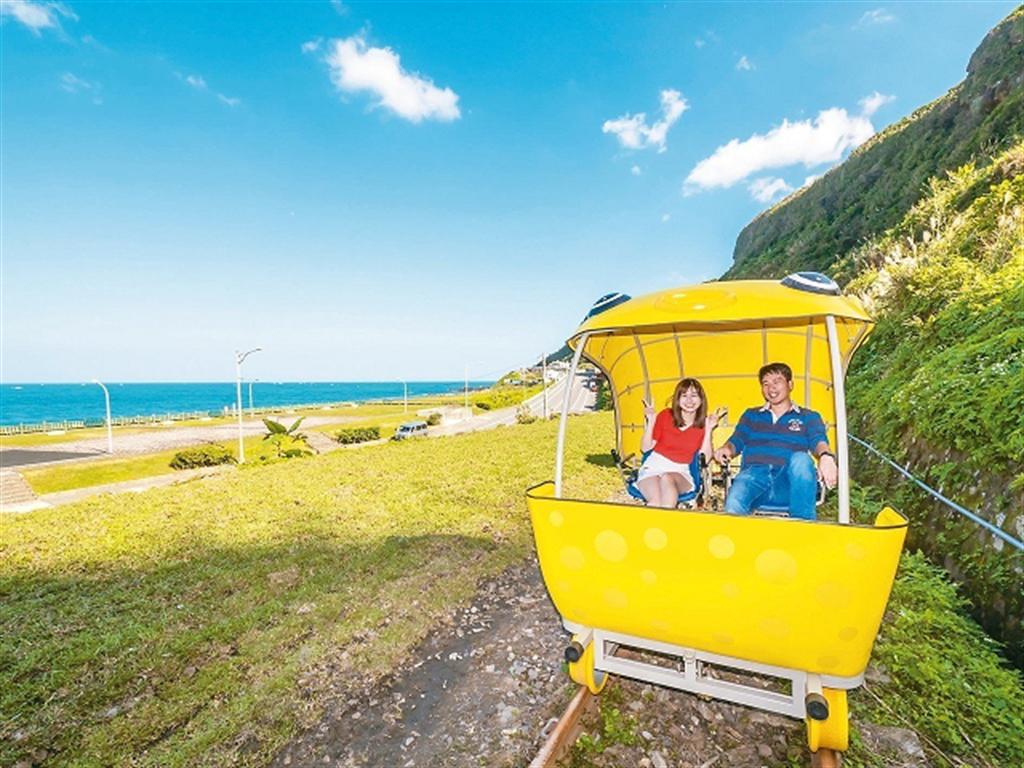 「深澳RailBike」鐵道自行車。(圖取自新北市漁業處官網)