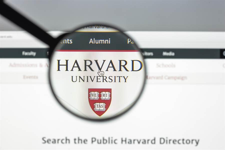 美國司法部28日宣布,哈佛大學化學暨化學生物學系主任李柏與兩名陸籍人士被控暗中協助大陸竊取美國技術,並對美隱瞞曾大陸接受「千人計畫」資助。(示意圖/達志影像)