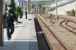 台鐵烏日站旅客跌落鐵軌 遭普悠瑪撞死
