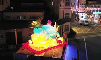 鹿港頂番鬧元宵黃金龍龜掀驚豔 金鼠提燈和文青風提袋賜福啦.....