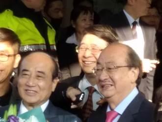 揮別44年立委生涯 王金平巡禮立法院