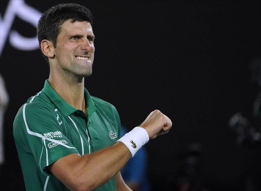 喬柯維奇擊敗費德勒,生涯第8度晉級澳網男單決賽。(美聯社)