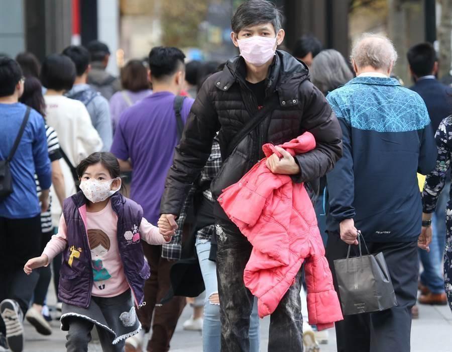 消基會表示,由於口罩單片價格過高價格,導致口罩供需不平衡現象仍然未獲改善。(本報資料照 陳君瑋攝)