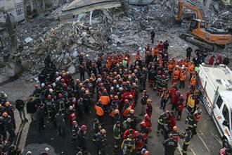 感動!土耳其救難隊貼中華民國國旗 中文感謝台灣朋友