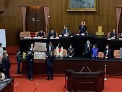 不受時力、民眾黨跑票影響 民進黨蔡其昌續任立院副院長