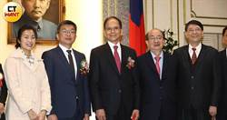 蔡其昌續任副院長 民眾、時力分裂投票