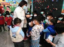 雲縣府免費送學生口罩 議員:應先支持醫療診所