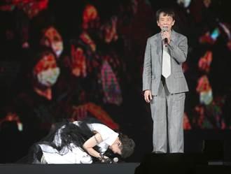 父親驚喜現身感慨「沒能好好栽培」詹雅雯崩潰跪地痛哭