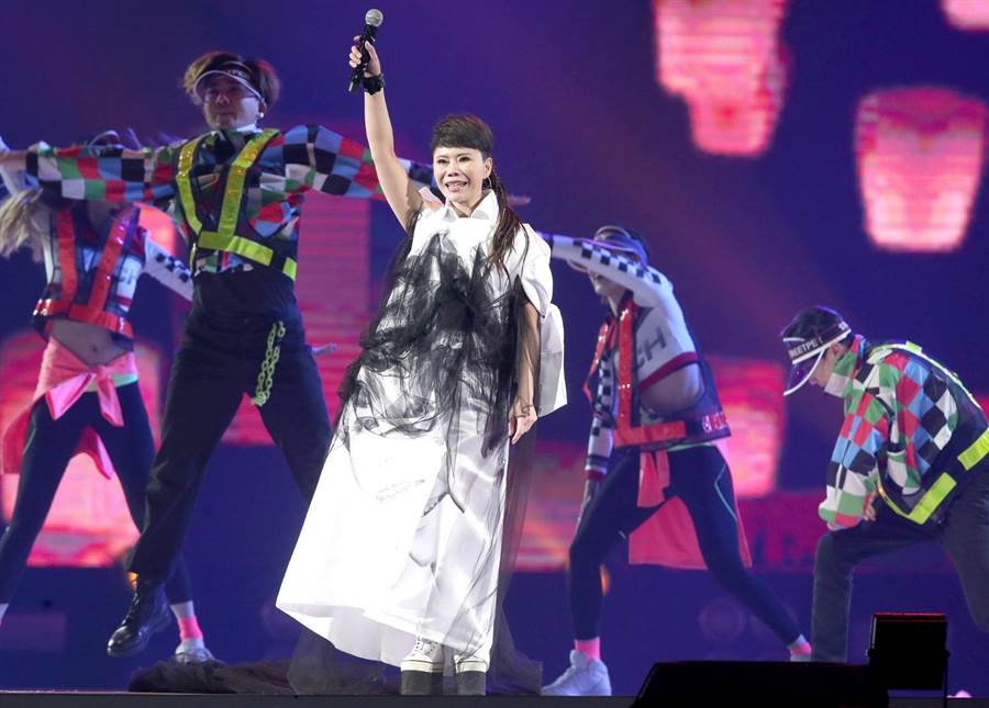 詹雅雯「30又怎樣」演唱會1日在台北小巨蛋舉行。(粘耿豪攝)