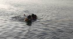 女高中生與男友吵架走下河 消防不懼低溫下水救援