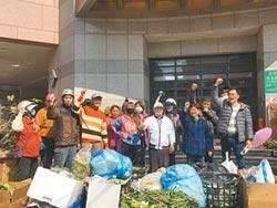 收租不清垃圾 攤商到朴子農會抗議