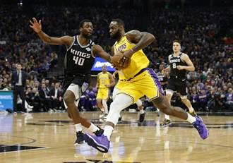 NBA》詹皇大三元 湖人摘Kobe過世後首勝