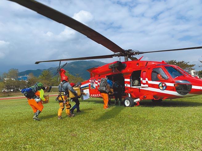 八通關古道傳山難,19歲男墜深谷救難人員馳援。(示意圖/中時資料庫)