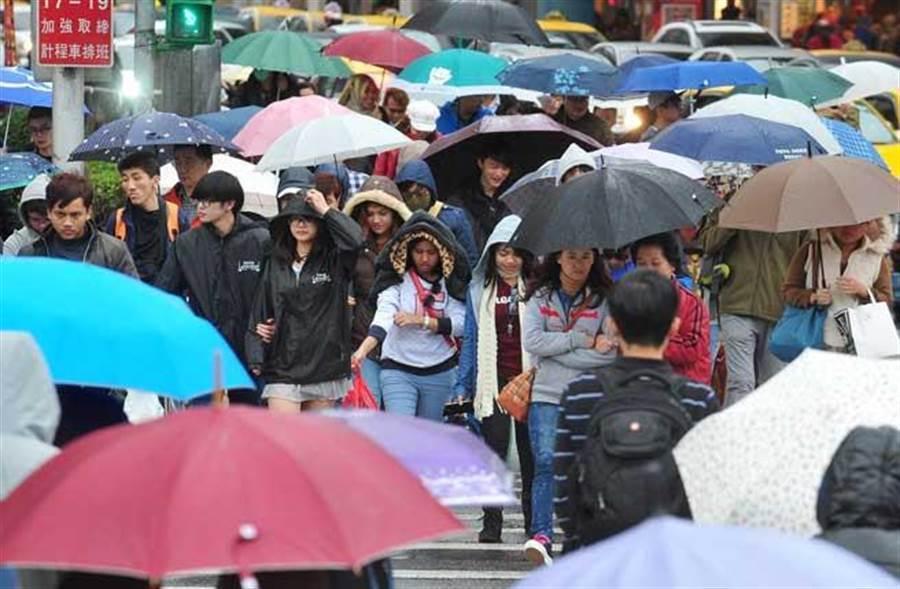 20縣市低溫特報 吳德榮:本周轉雨。(資料照)