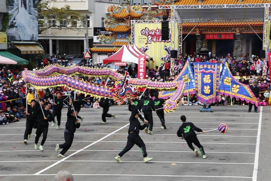 貓裏客家龍競技2日登場,「福苗龍藝」勇奪金質獎及最佳套路創新奬。(巫靜婷攝)